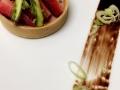 Tartelette fraise fenouil copeaux de asperges vertes. Ce sont des plats crées par notre chef!